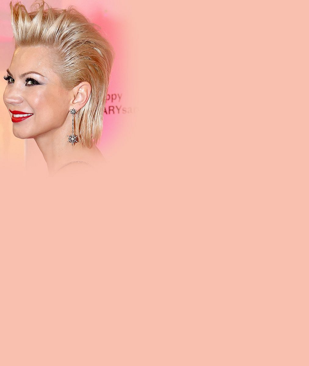 Kvůli figuře Marilyn Monroe se z ní modelka nestala. I tak ale tato návrhářka provokuje před objektivem