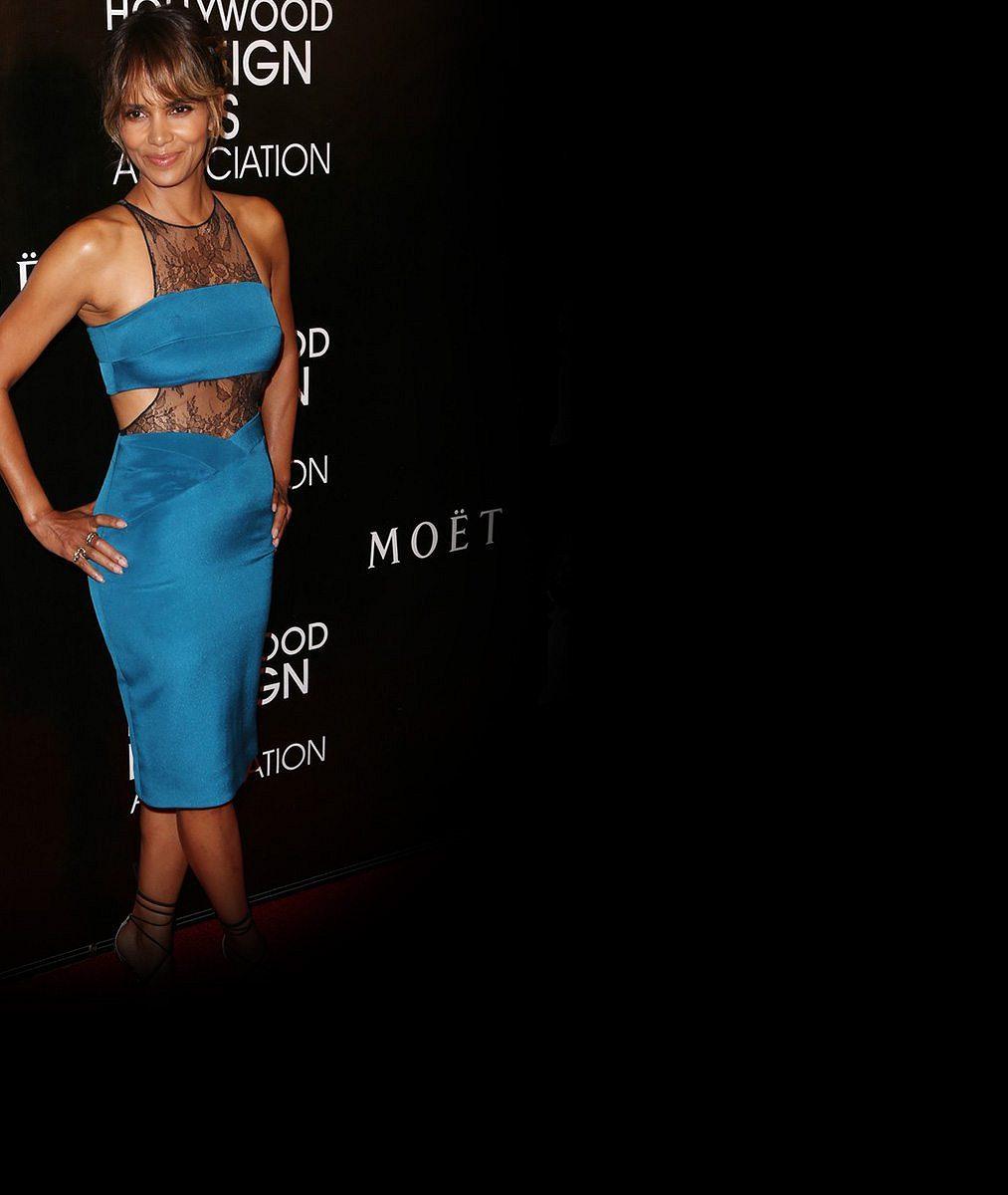 Nebe a dudy: Když se Halle Berry (48) hodí do gala, je to pořád extra třída