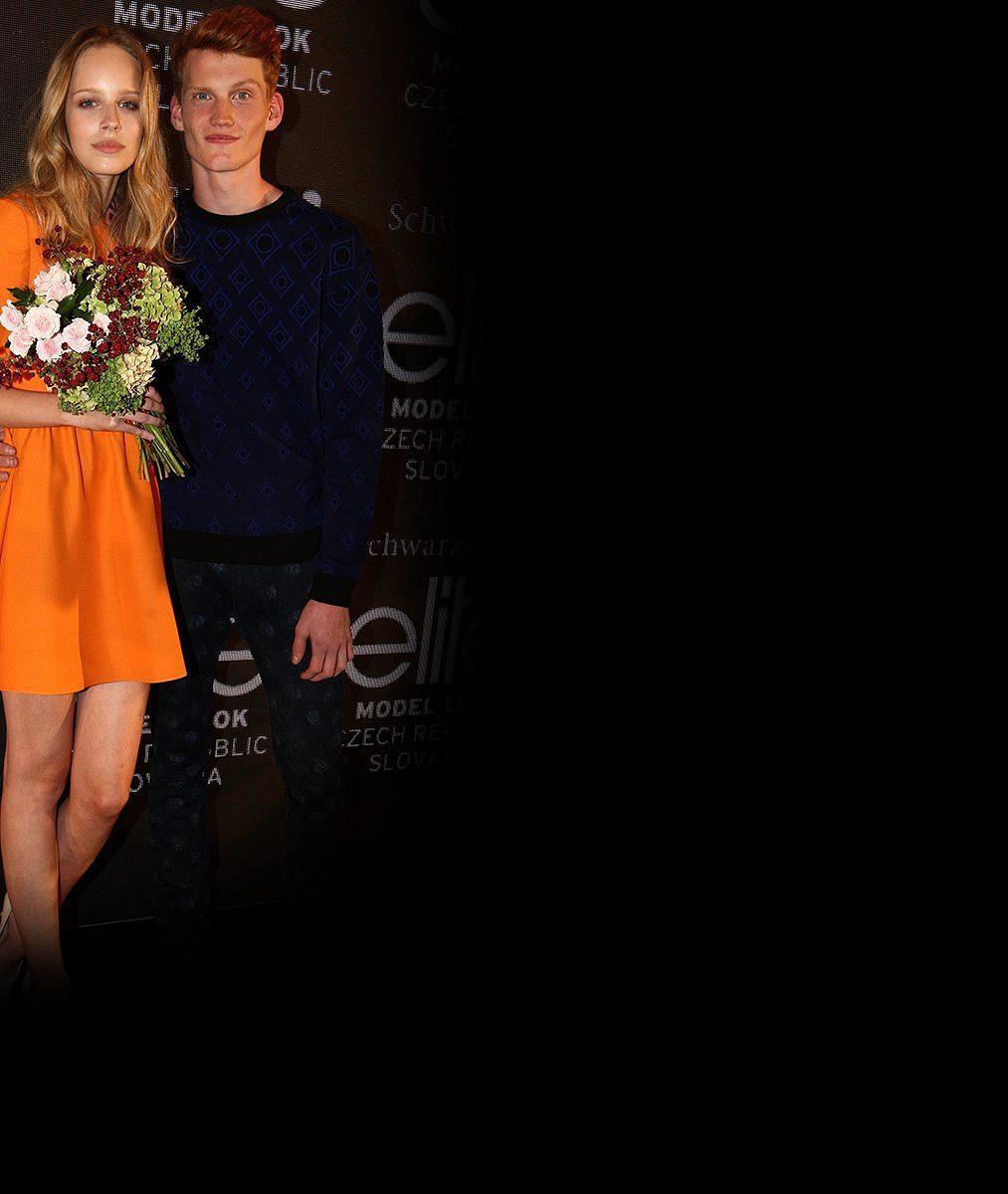 Nová kometa na světovém módním nebi. Osmnáctiletou Češku obdivovaly v Paříži hollywoodské kapacity