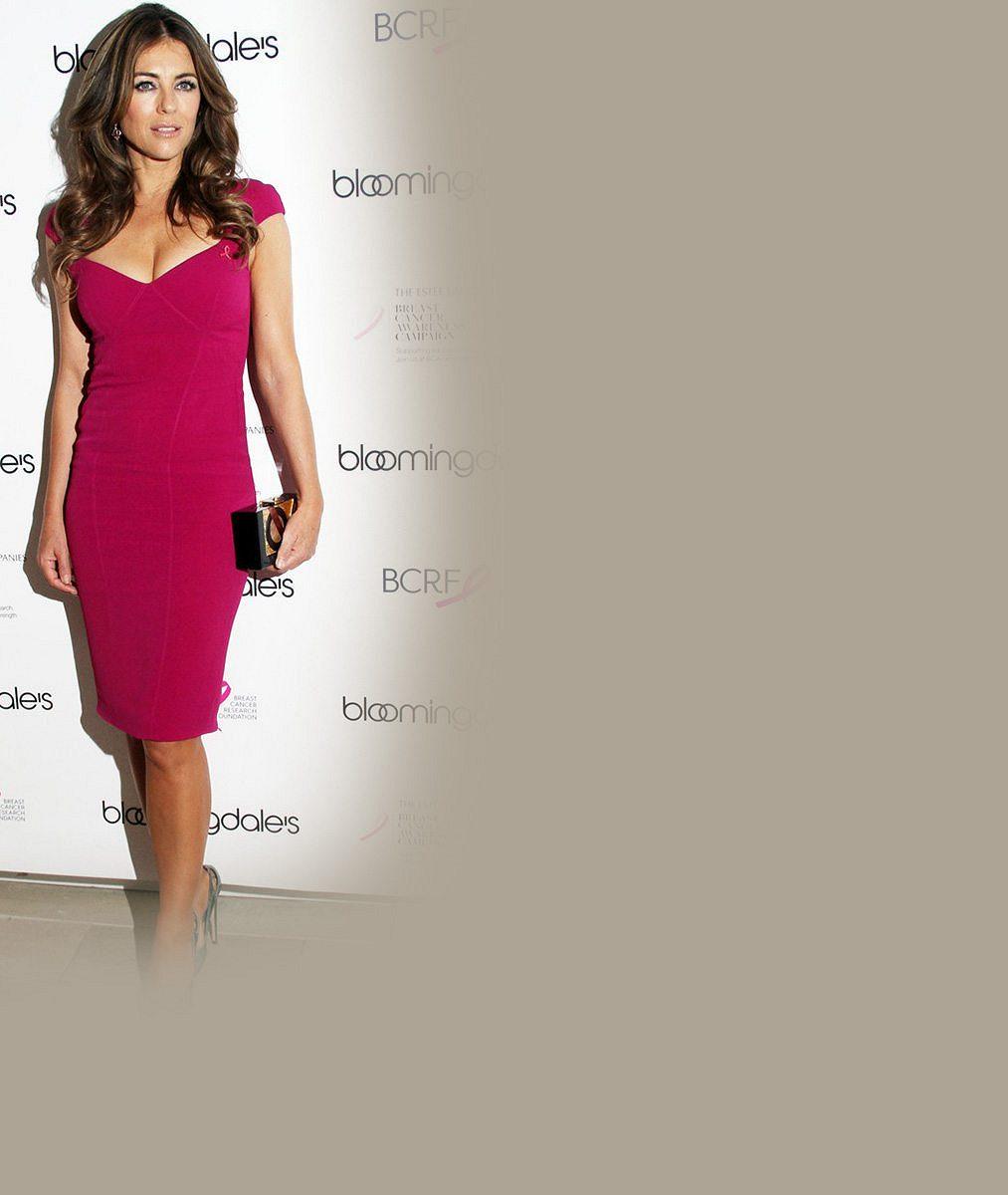 Není padesátka jako padesátka: Růžové šaty nestárnoucí herečky obepínaly každý kousek jejího famózního těla
