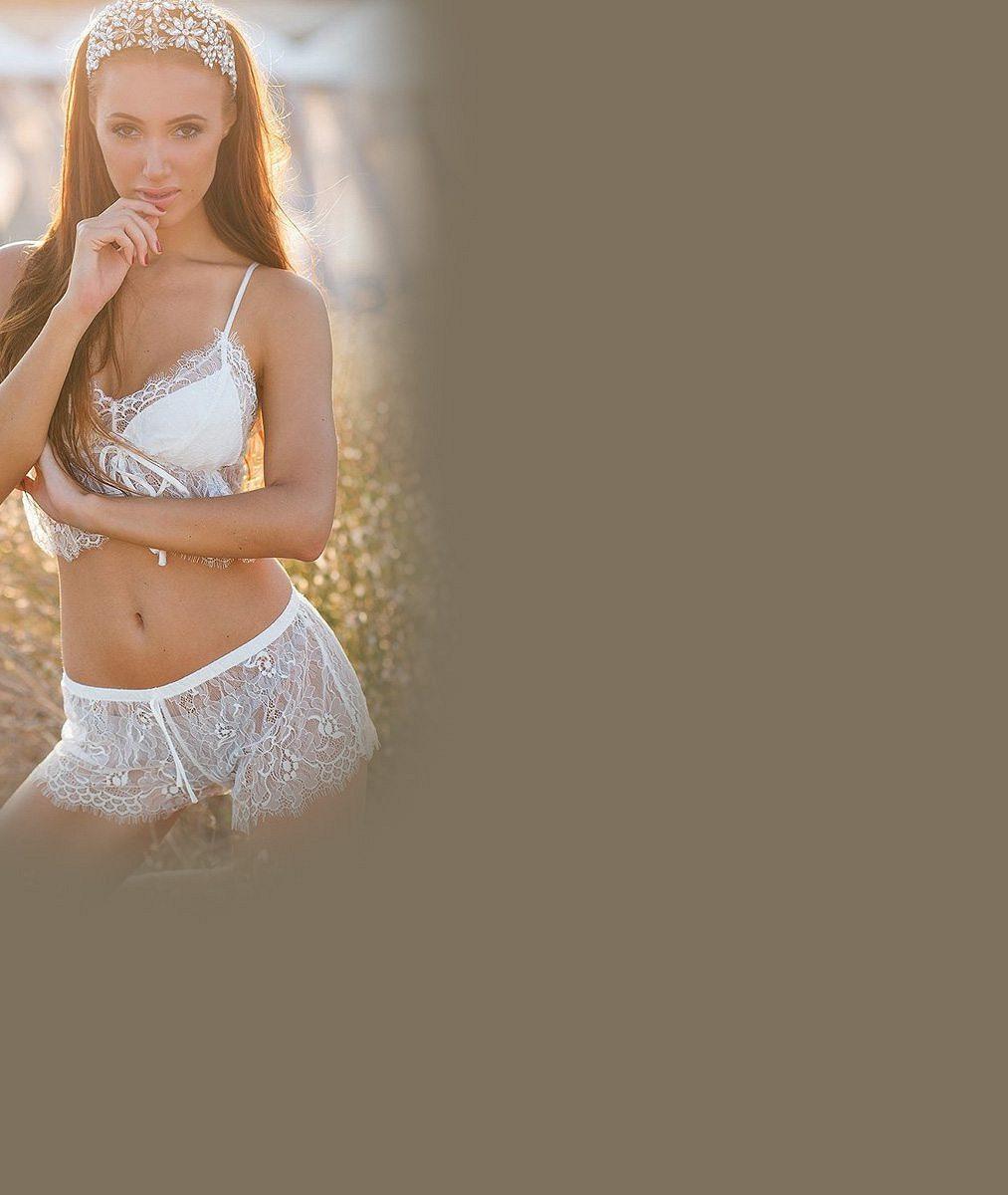 Nejhezčí šéfka soutěže krásy: Sexy Makarenko dřela v posilovně a své dokonalé tělo rozvlnila v moři