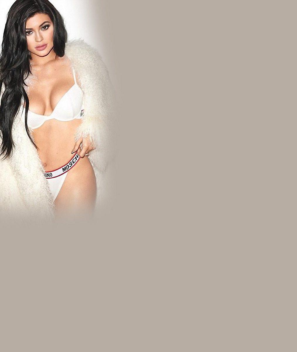 Dokonalé líčení podle Kylie Jenner? Spíš návod, jak zosmnáctky udělat čtyřicítku