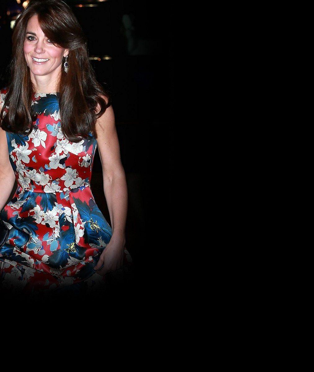 Vévodkyně Kate byla v květovaných šatech okouzlující: Tato paráda vyšla na 100 tisíc