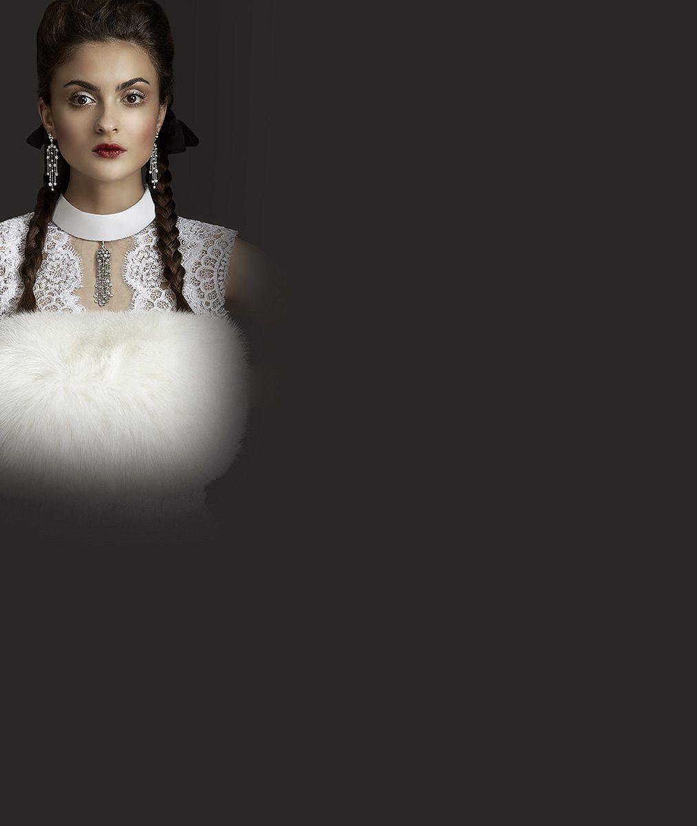 Mladší verze Šafránkové zahalená vluxusu za statisíce: Ona ale raději obléká věci zdruhé ruky apánská trika