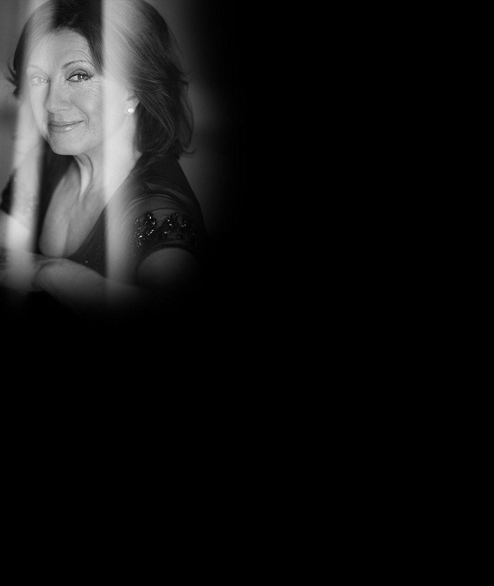 Ta snad mládne před očima: Marie Rottrová (76) ohromila půvaby i pěkně naditým dekoltem