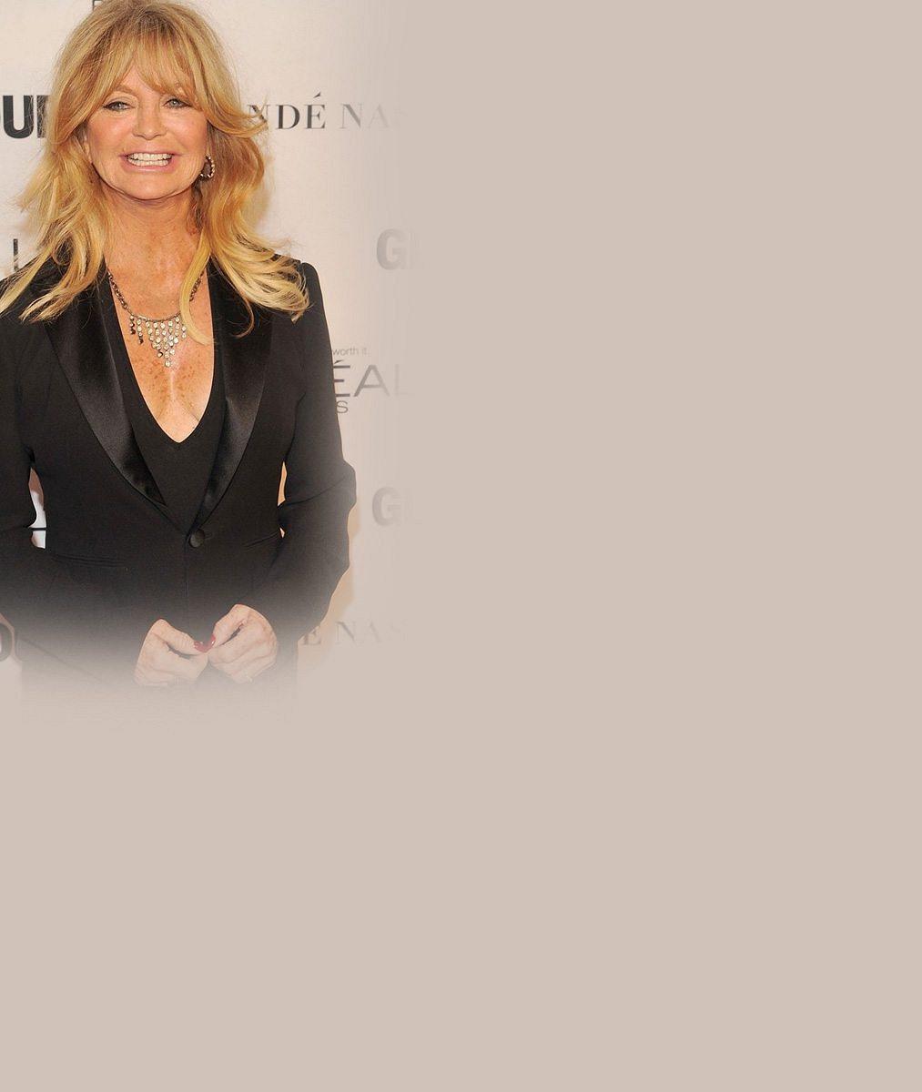 Změní Goldie Hawn po sedmdesátce své návyky? 5fotek, které ji zachycují bez podprsenky