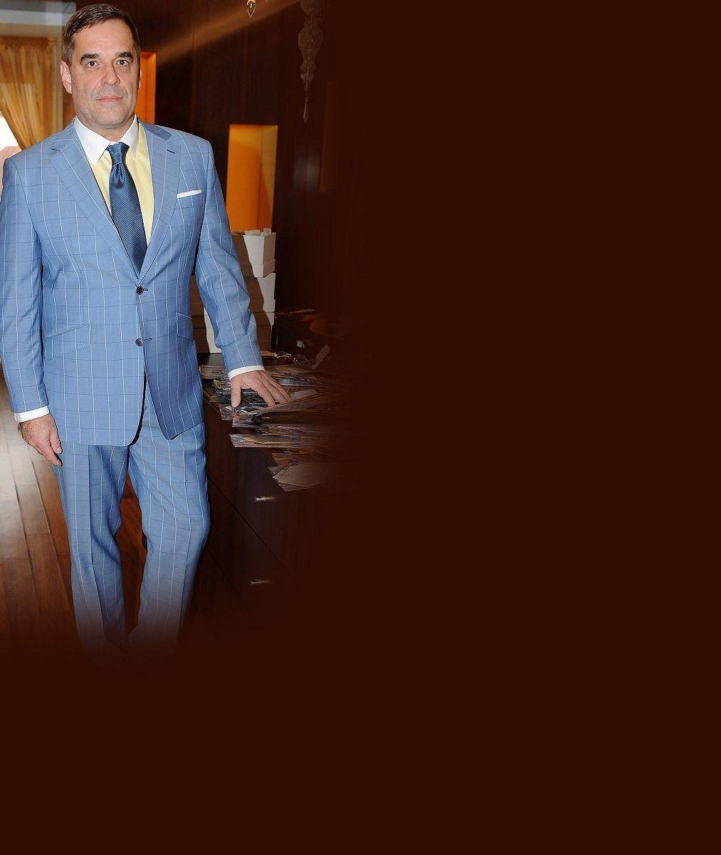 Hvězda Ordinace Miroslav Etzler bude v 53 letech opět otcem. Jeho partnerka je v 5. měsíci