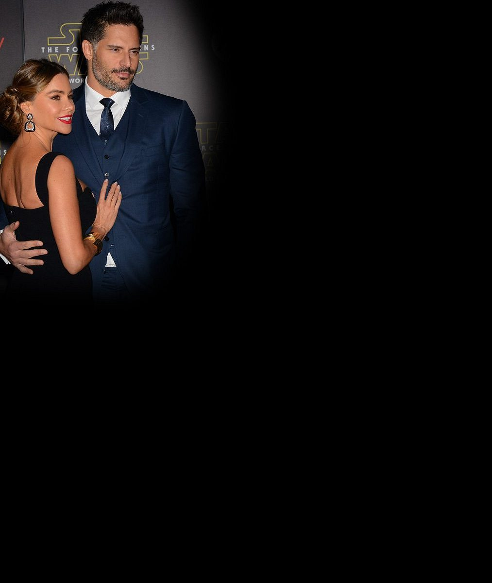 Novomanželé Vergara a Manganiello byli ozdobou premiéry nejočekávanějšího filmu letošního roku