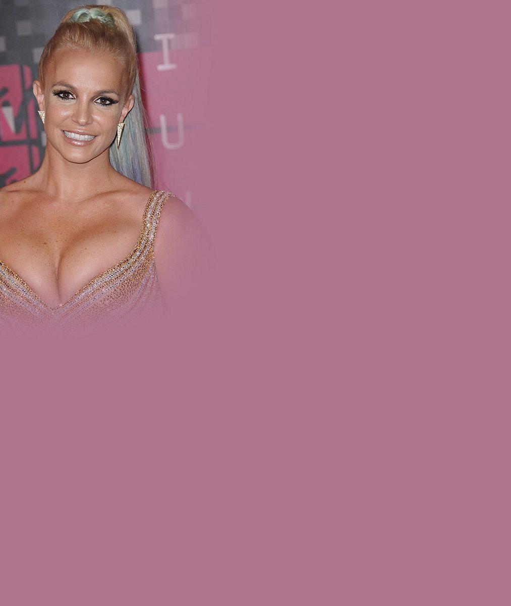 Mamina Britney Spears? Ani náhodou. Spostavičkou jako vosmnácti natočila žhavé video
