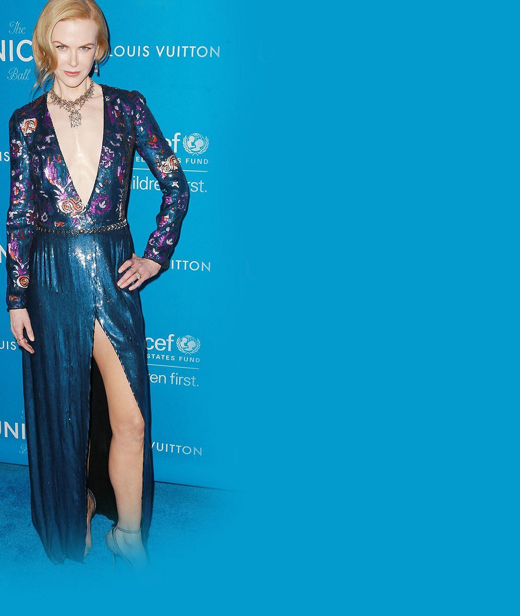 Ďábelský výstřih i rozparek: Tyhle šaty byste na cudné Nicole Kidman (48) nečekali