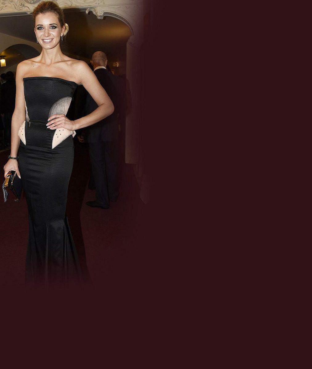 Ještě že nehubne: Bývalá Česká Miss Franková předvedla své čtyřky v obřím dekoltu bez podprsenky