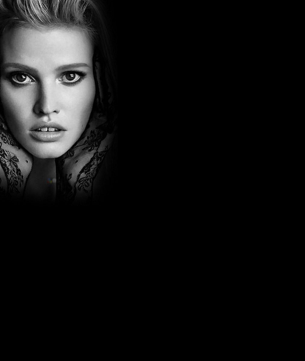 Kam se poděla krása slavné modelky z kalendáře Pirelli? Tohle snad nemůže být ona