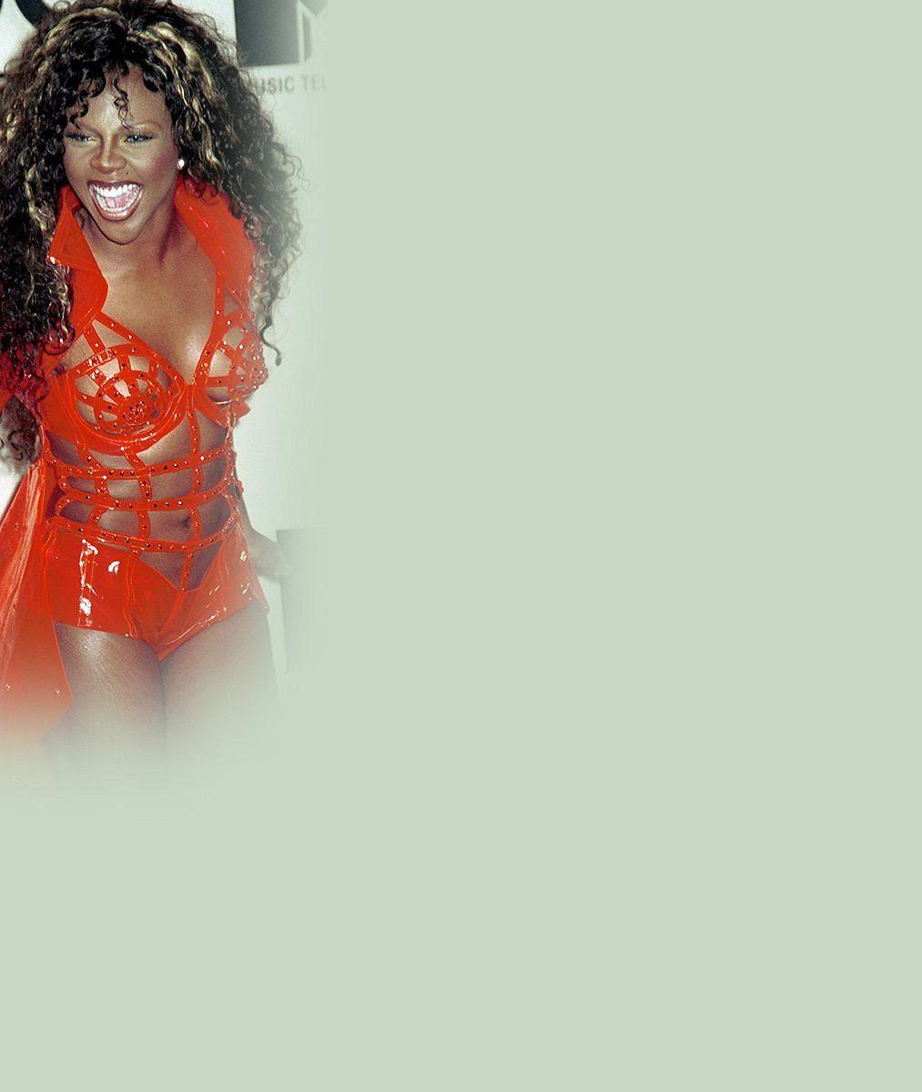 Podívejte, kam to se svou zadnicí dopracovala slavná Lil'Kim z hitu Lady Marmelade
