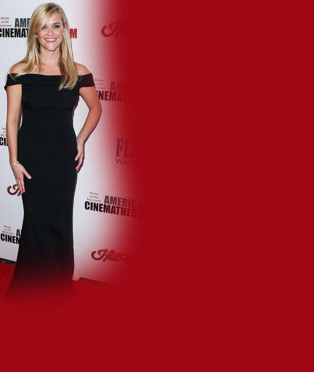 Slavná hollywoodská blondýnka se těsně před čtyřicítkou ukázala v plavkách