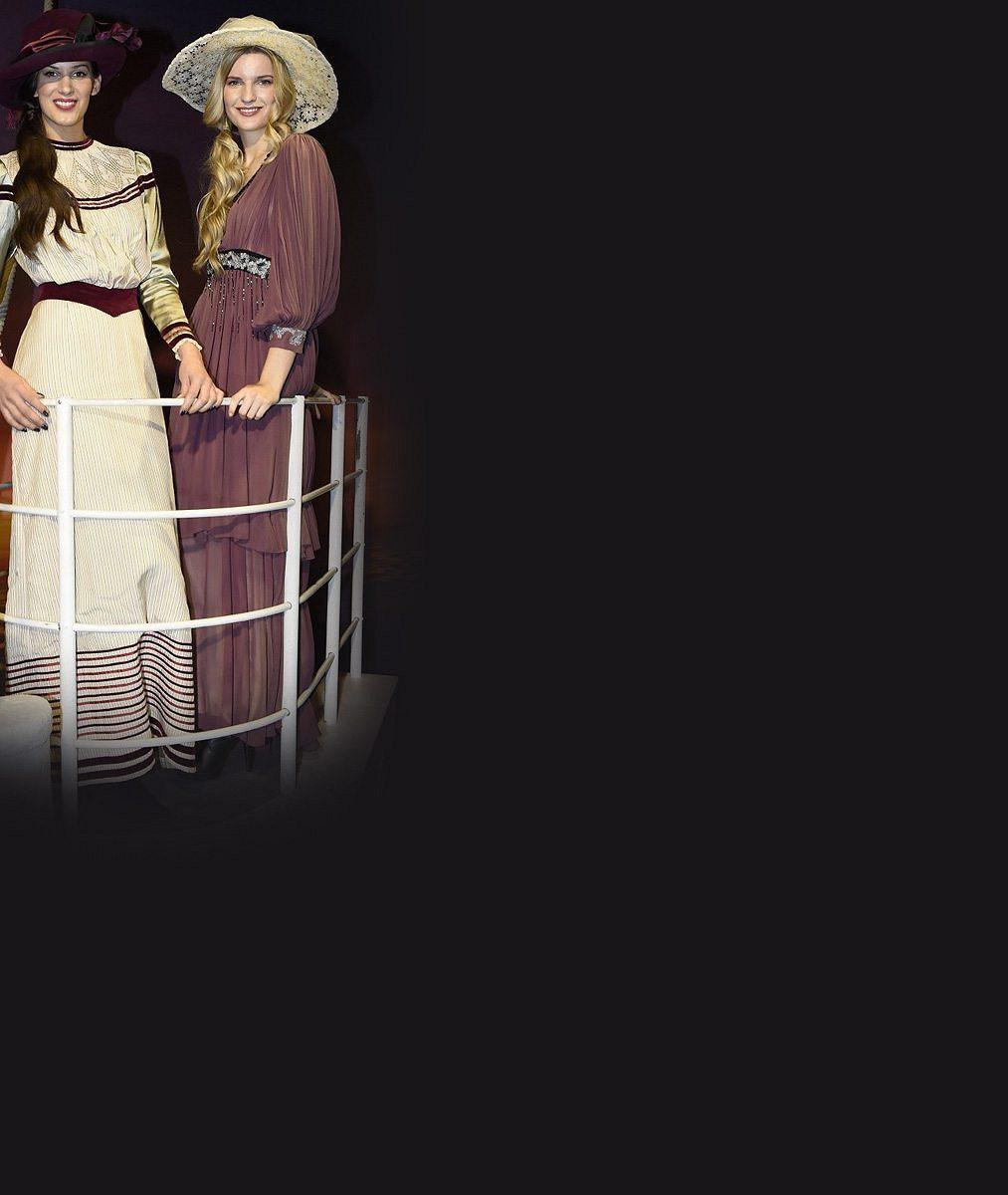 Tyhle dvě modelky by přežily zkázu Titaniku: V dobových modelech jim to seklo, ale bojí se lodí tak, že by ani nenastoupily