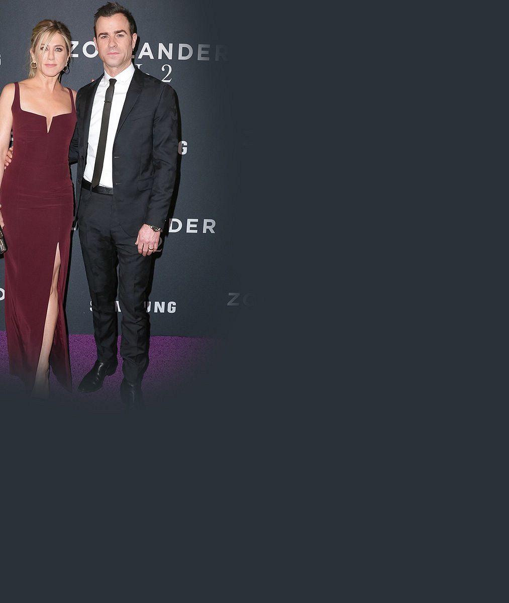 Jennifer Aniston oslavila 47. narozeniny v kožené mini s fešným manželem