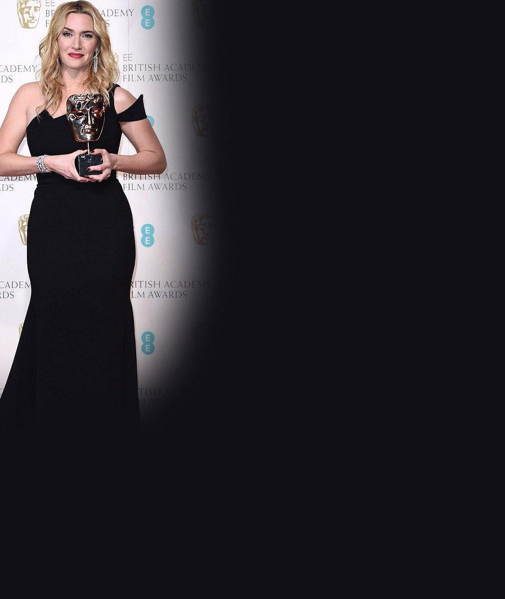 Kate, ty nám něco tajíš? Winslet na Oscarech kolegyním oznámila radostnou novinu!