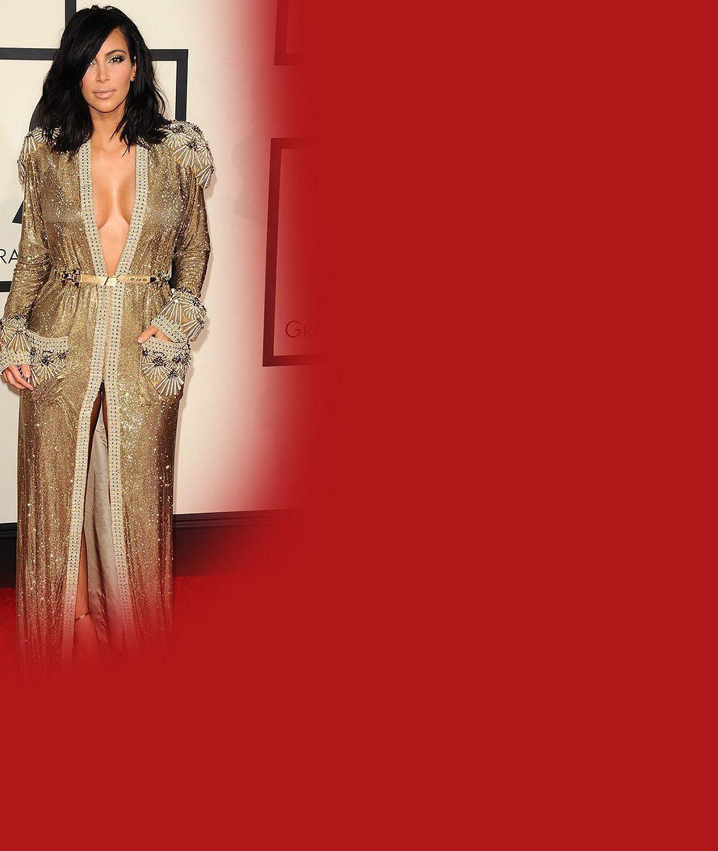 Celebrity se pustily do Kim Kardashian kvůli nahé poporodní selfie. Ta jim odpověděla po svém