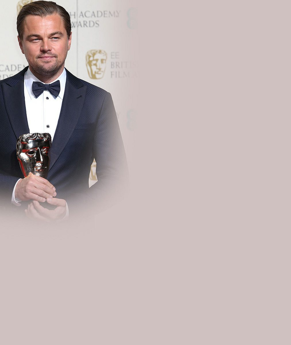 Zase ty blondýnky… Leo DiCaprio si po triumfu zcen BAFTA vzal na hotel rovnou tyhle dvě!