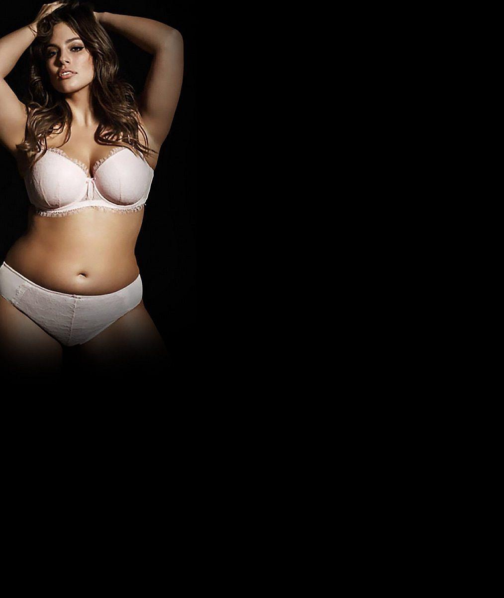 Známá XXL modelka mistrně zamaskovala kila a navrch přidala neskutečný dekolt
