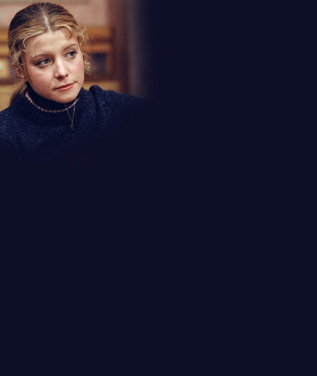 Sympatická recepční z Policie Modrava opět ve společnosti: Tipovali byste jí blížící se šedesátku?
