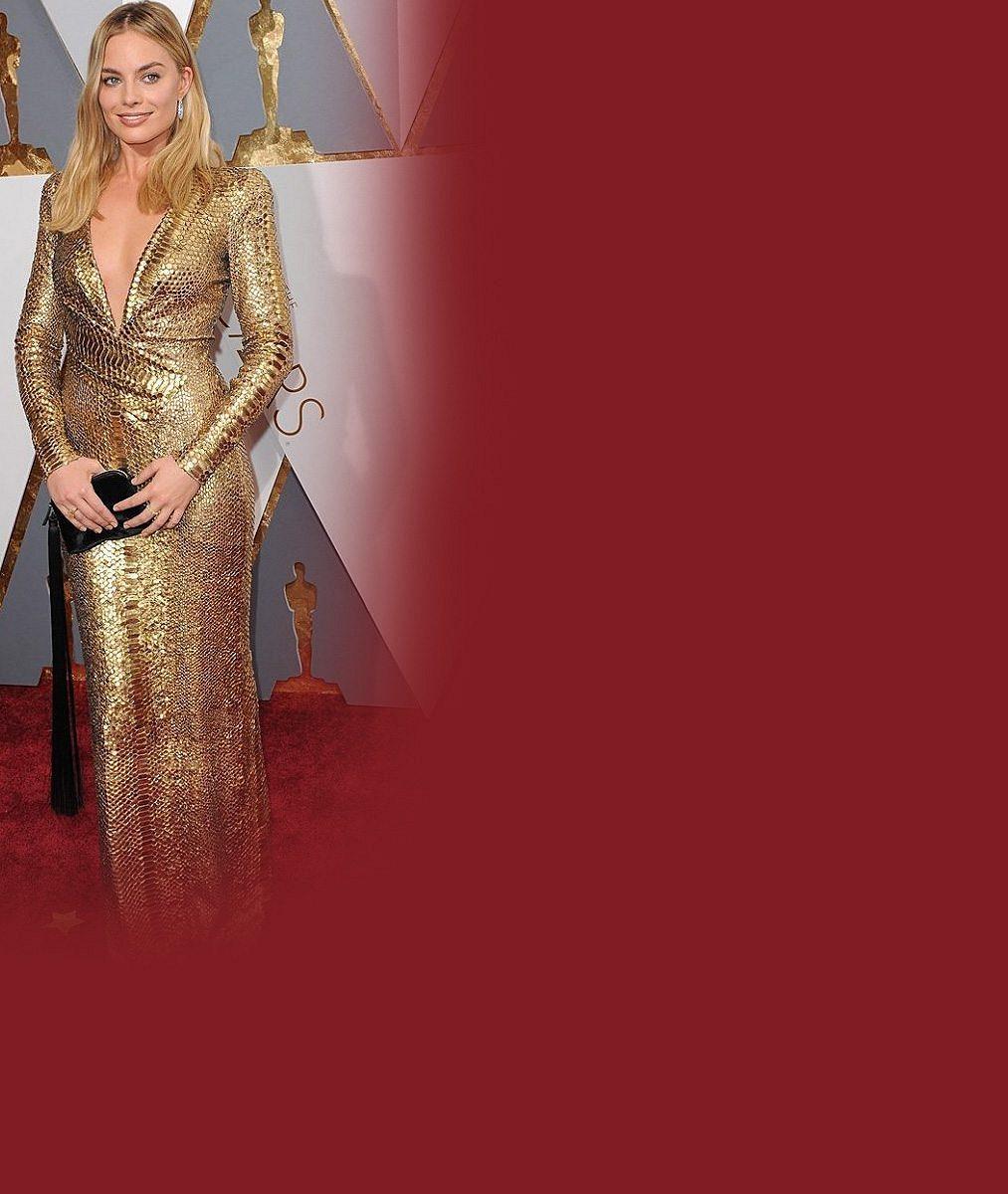 DiCapriova filmová manželka na premiéře nezklamala: Předvedla odvážný výstřih i odhalená záda