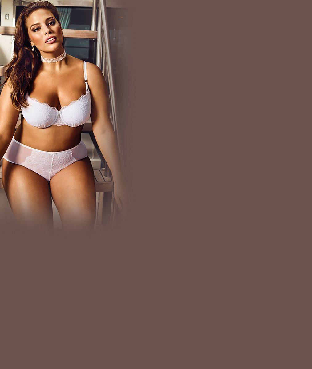 Má velikost 44, ale návrháři spodního prádla se o ni perou. V kolekci pro nevěsty boubelky zazářila