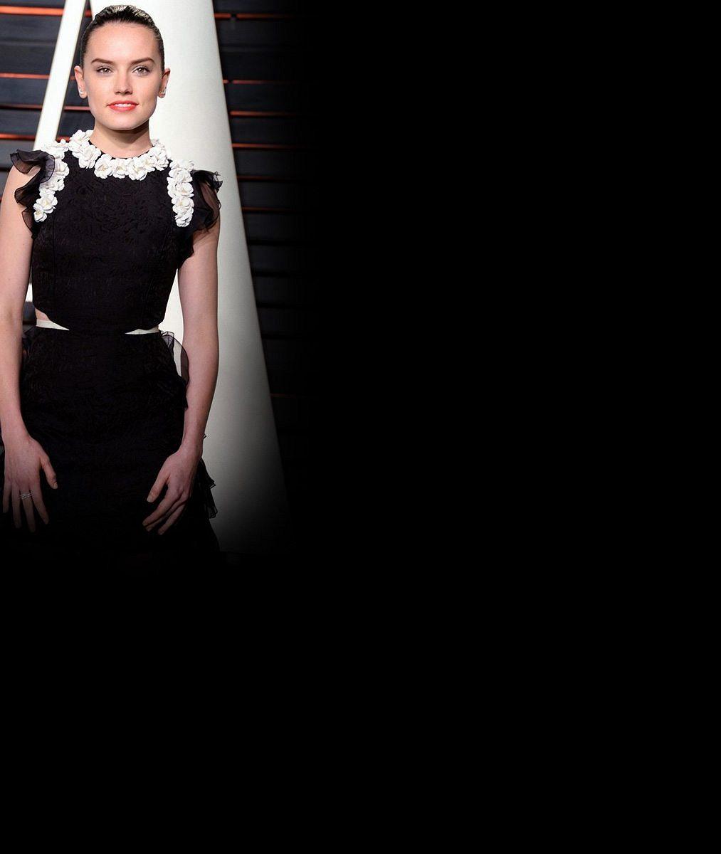 Angelina Jolie má éru sexsymbolu za sebou: Roli Lary Croft po ní převezme kočička ze Star Wars