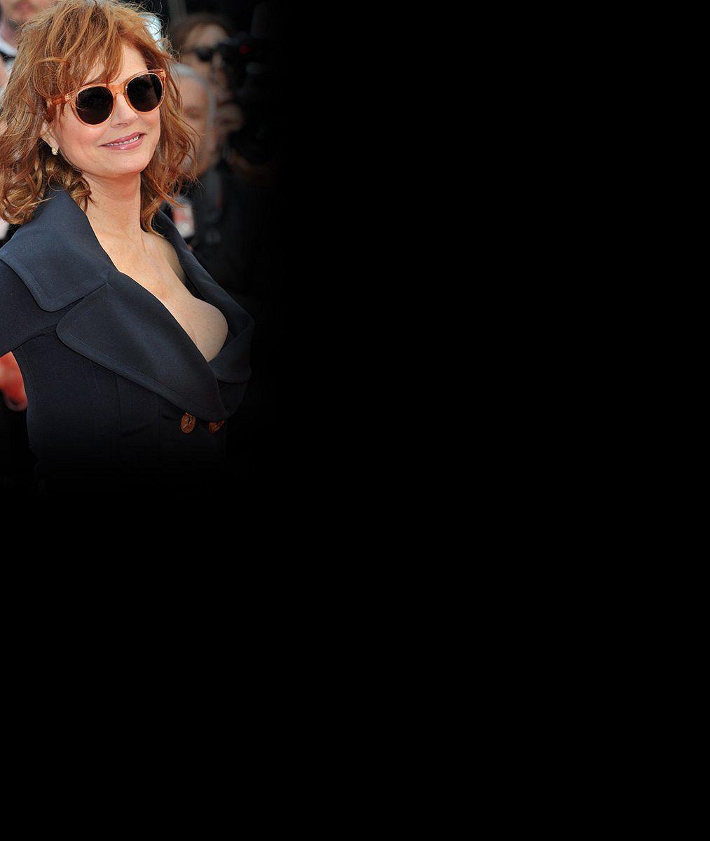 Za chvíli sedmdesátnice Susan Sarandon strčila v Cannes do kapsy o 22 let mladší kolegyni. Mrkejte čím!
