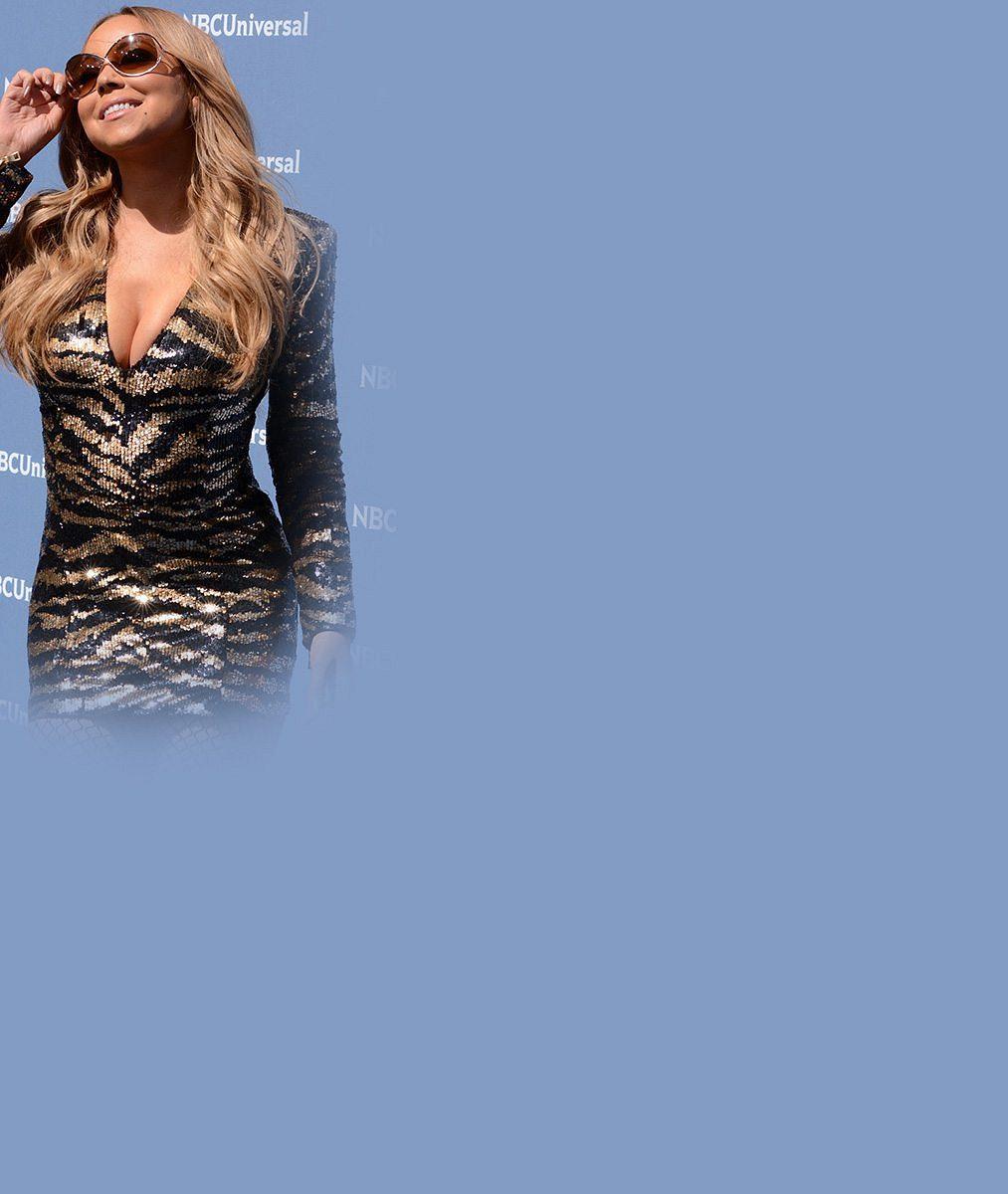 Královna nevkusu zase řádila: Mariah Carey v laciném modelu ukázala ňadra, břicho i nohy