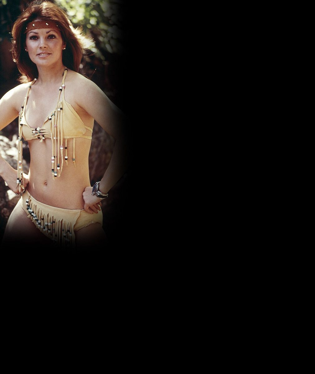 Na tohle famózní bříško kdysi uhnala Elvise? Vyhlazená Priscilla Presley slaví 71!