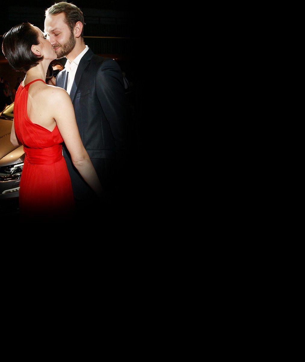 Tenhle rozkošný kříženec zahřívá postel Gábině Kratochvílové: Dalším krokem v manželství bude miminko