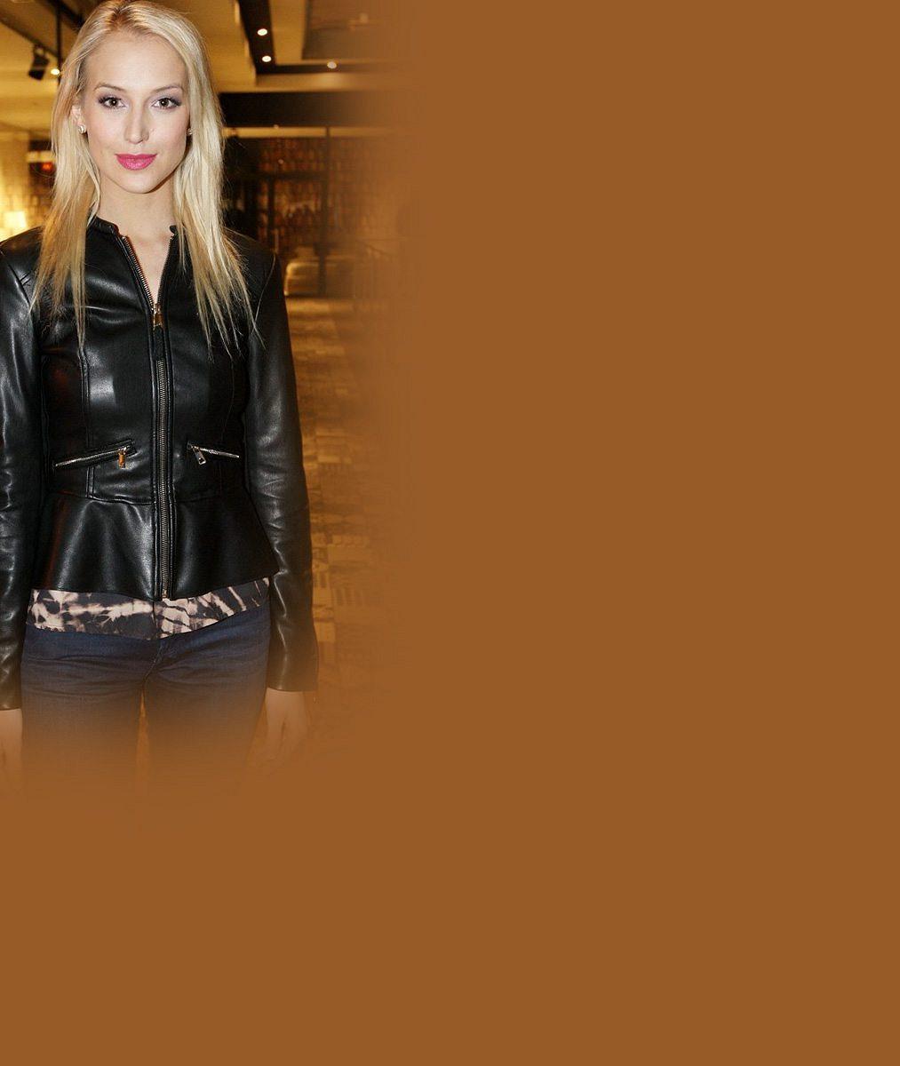 Závidíte jí? Manžel Roman Vojtek vídá tuhle půvabnou blondýnku nejraději bez make-upu