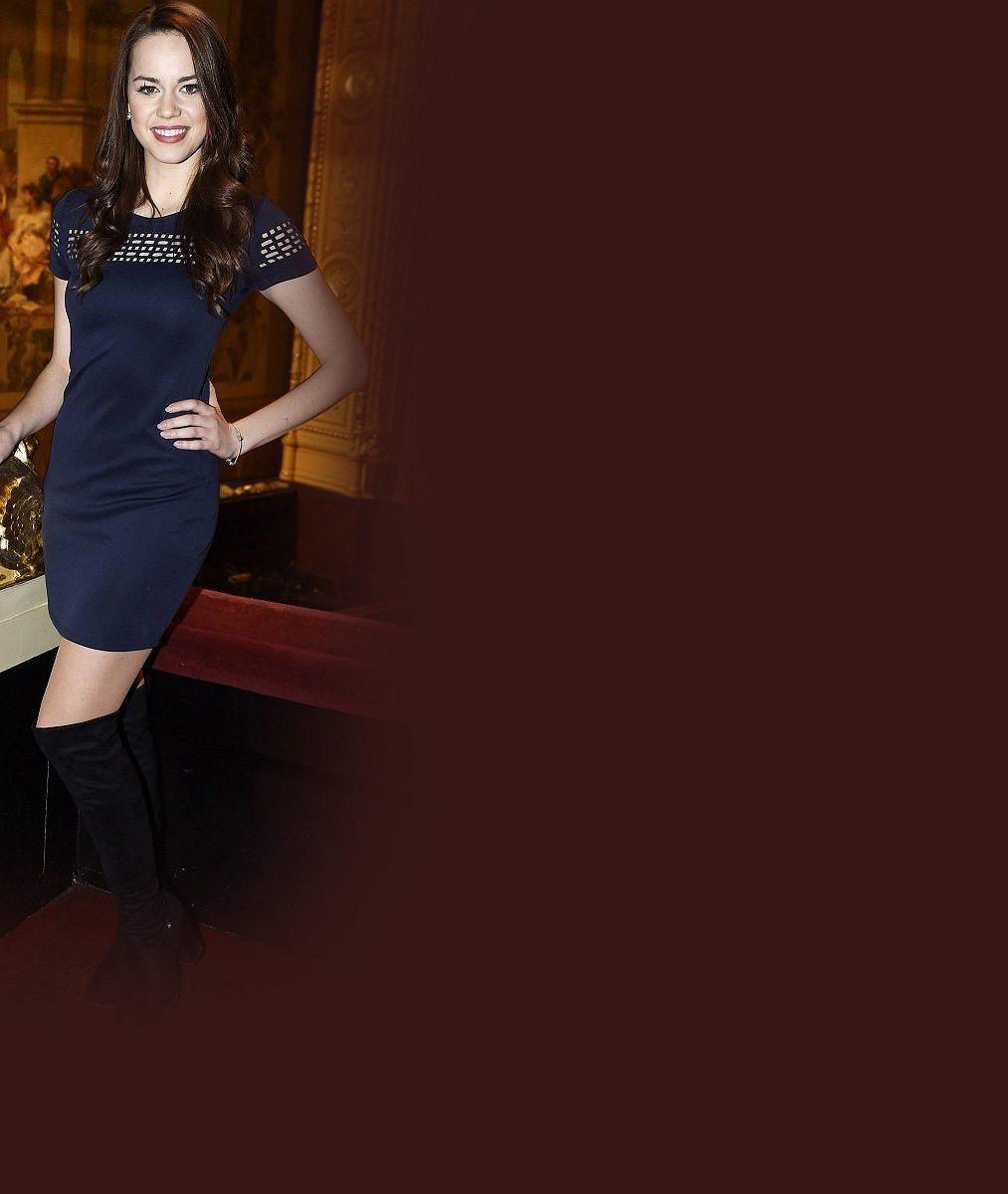 Zahodí slibnou kariéru? Krásná zpěvačka Gudasová chce kvůli svému hokejistovi z NHL zmizet z Česka