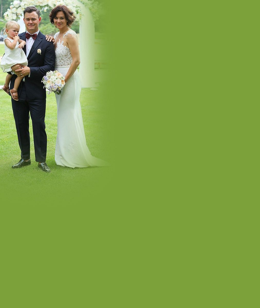 Dvojník Hankse nebo spíš DiCapria? Máme exkluzivní fotky ze svatby hokejisty Hudlera