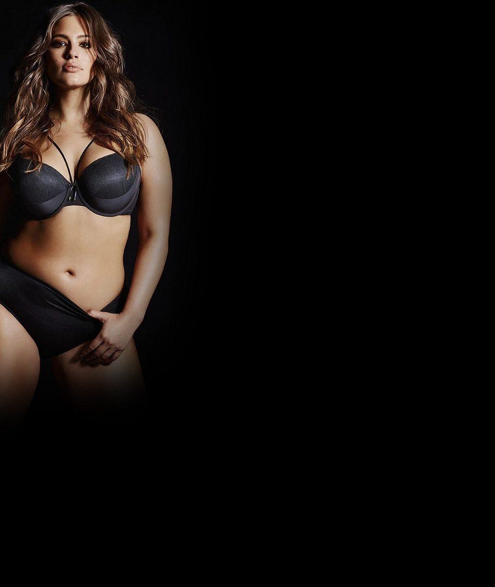 Grafické oddělení odvedlo skvělou práci: XXL modelka v nové kampani zkrásněla, špekatá stehna jsou pryč