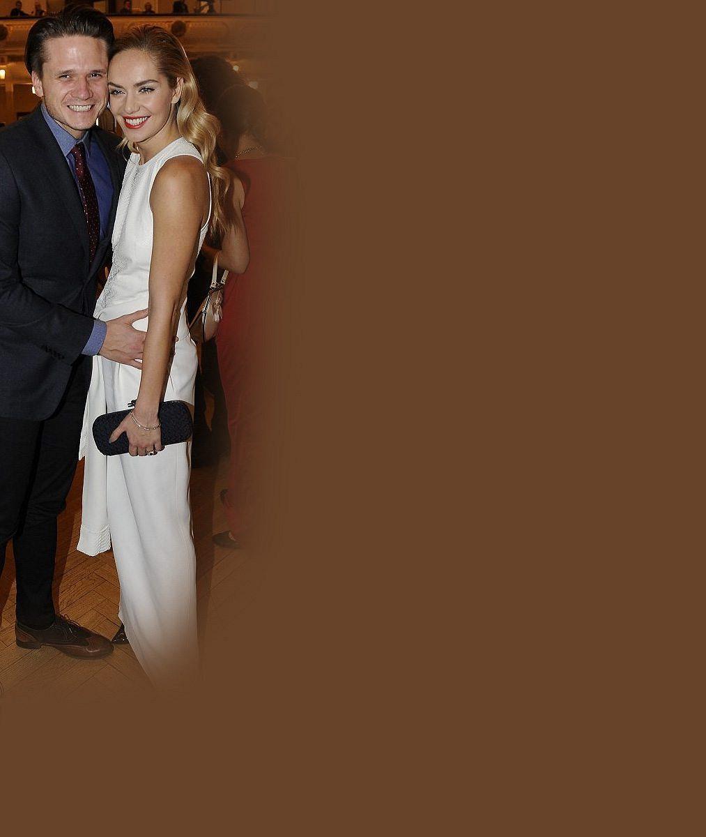 Jak se vám líbí jako nevěsta? Podívejte se, jak to Taťáně Kuchařové slušelo ve svatebních šatech