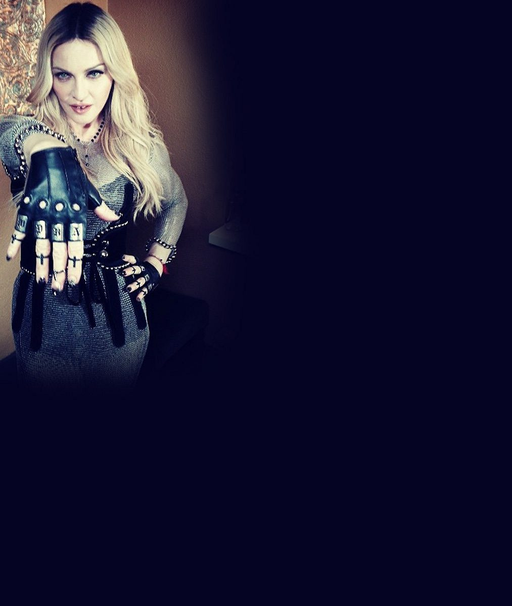 Stařecké ruce musela Madonna maskovat rukavicemi, tomu je teď konec. Jak to?