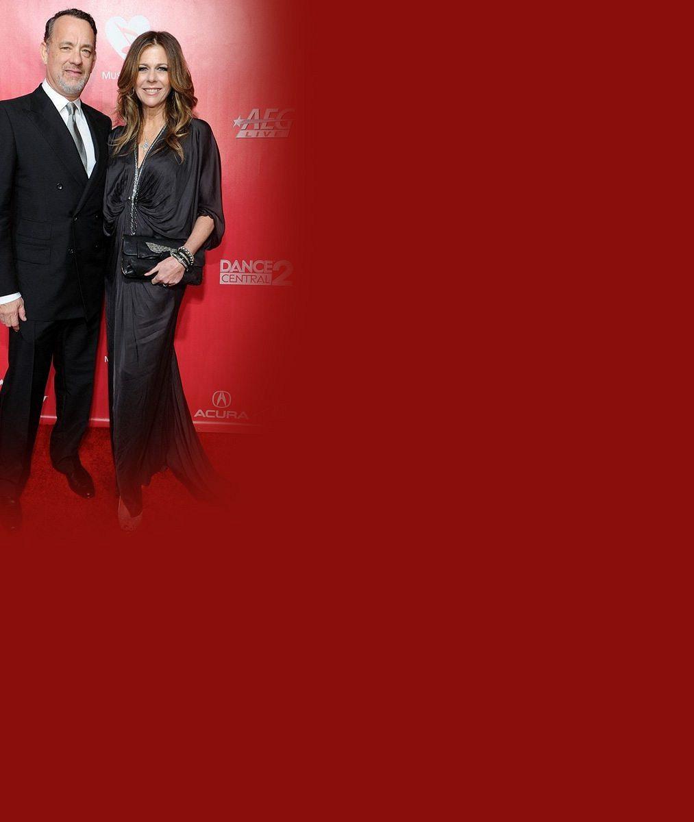 Zamilovaná selfie po 28 letech manželství: Tom Hanks a jeho žena, která bojovala s rakovinou, mají lásky na rozdávání