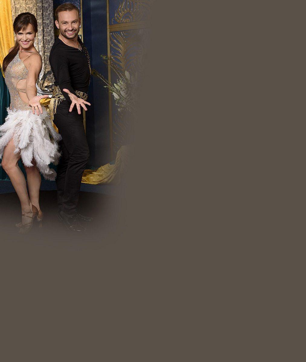 Týden po vyhazovu ze StarDance už Šípková vydělává tancem: Takhle jí to sekne v šatech Dědíkovy přítelkyně