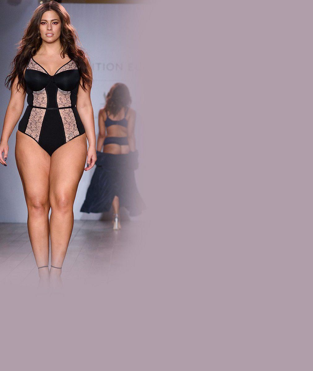Nejkrásnější XXL modelka triumfovala v prádélku na týdnu módy. Co na ni říkáte?