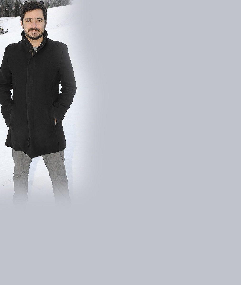Vojta Kotek hraje ve filmu potetovaného muzikanta: I ve skutečnosti má kapelu, kérky ale zatím ne