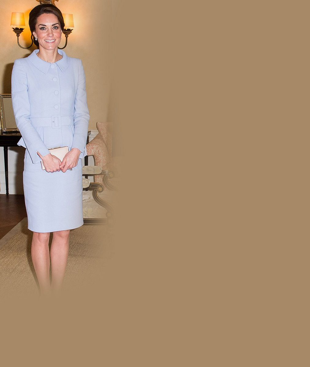 Vévodkyně Kate na první zahraniční cestě bez Williama oslnila nizozemského krále. Divíte se?