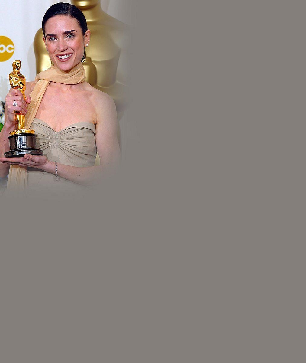 Oscarová herečka se třemi dětmi snad nikdy nevypadala lépe než teď ve 45 letech!
