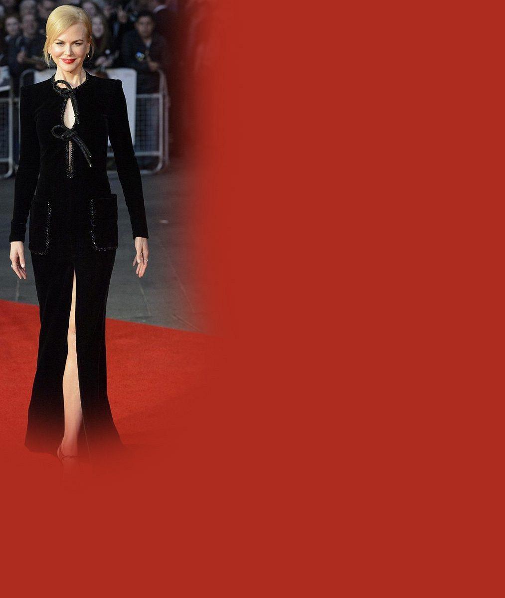 Trapas na červeném koberci: Nicole Kidman potrápily šaty s rozparkem až k rozkroku