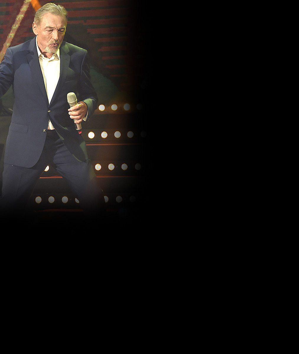Podvod s koncerty Karla Gotta: Prodávali na něj lístky, zpěvák ale o ničem nevěděl, pak zneužili i jeho zdraví!