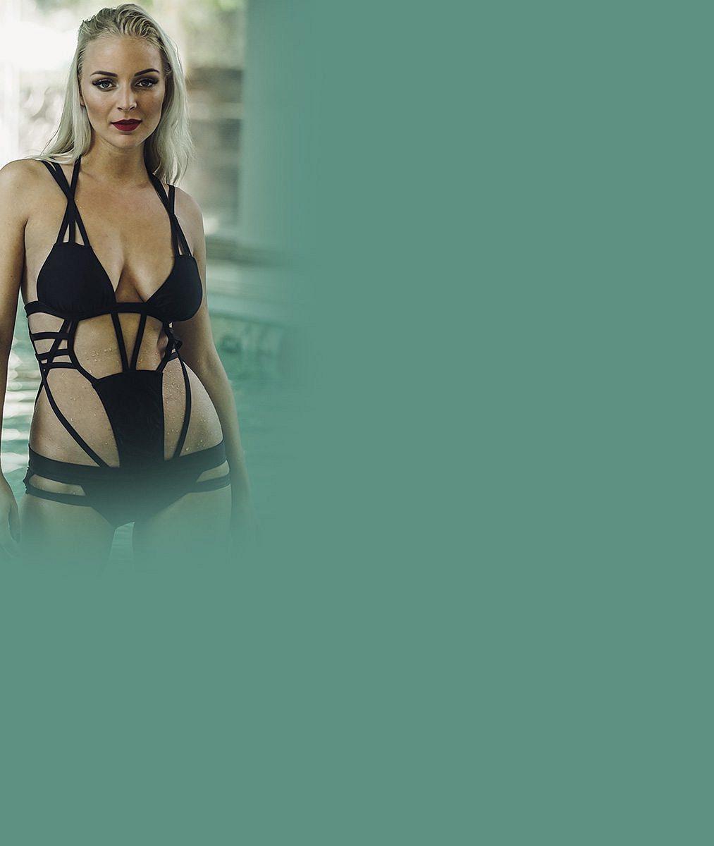 V bazénu jí tuhla nejen brada: Mrkněte, jak to nádherné Konvičkové slušelo ve všeodhalujících plavkách