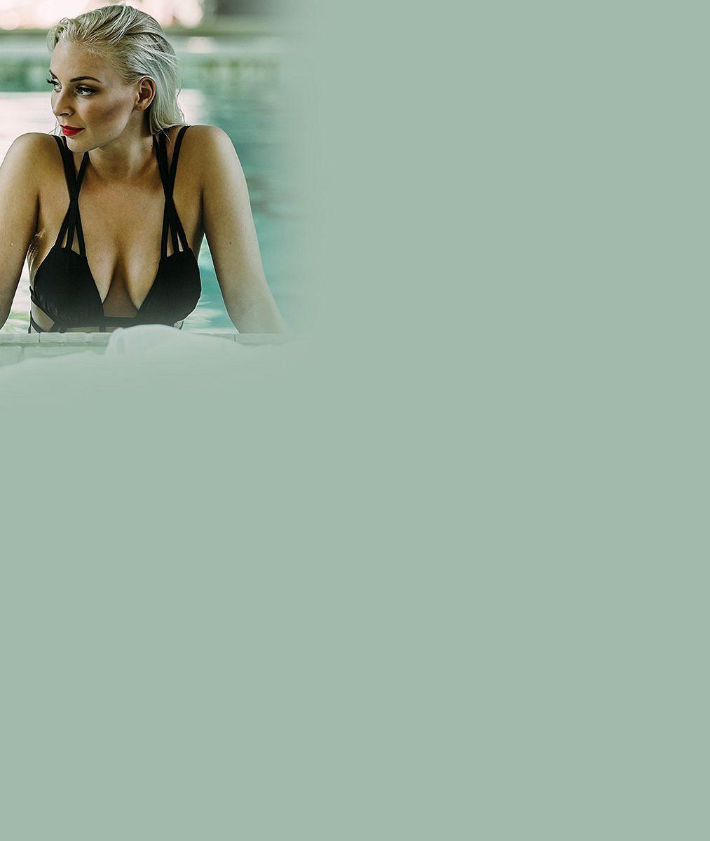 I voda z té krásy začala schnout: Obdařená Konvičková šla do velmi odvážných plavek, neodtrhnete od ní oči