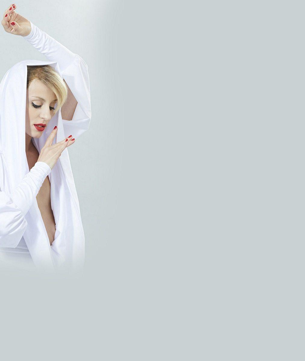 Markéta Procházková s obnaženým dekoltem jako Kylie Minogue: Víc sexy 'tvář' ještě neukázala