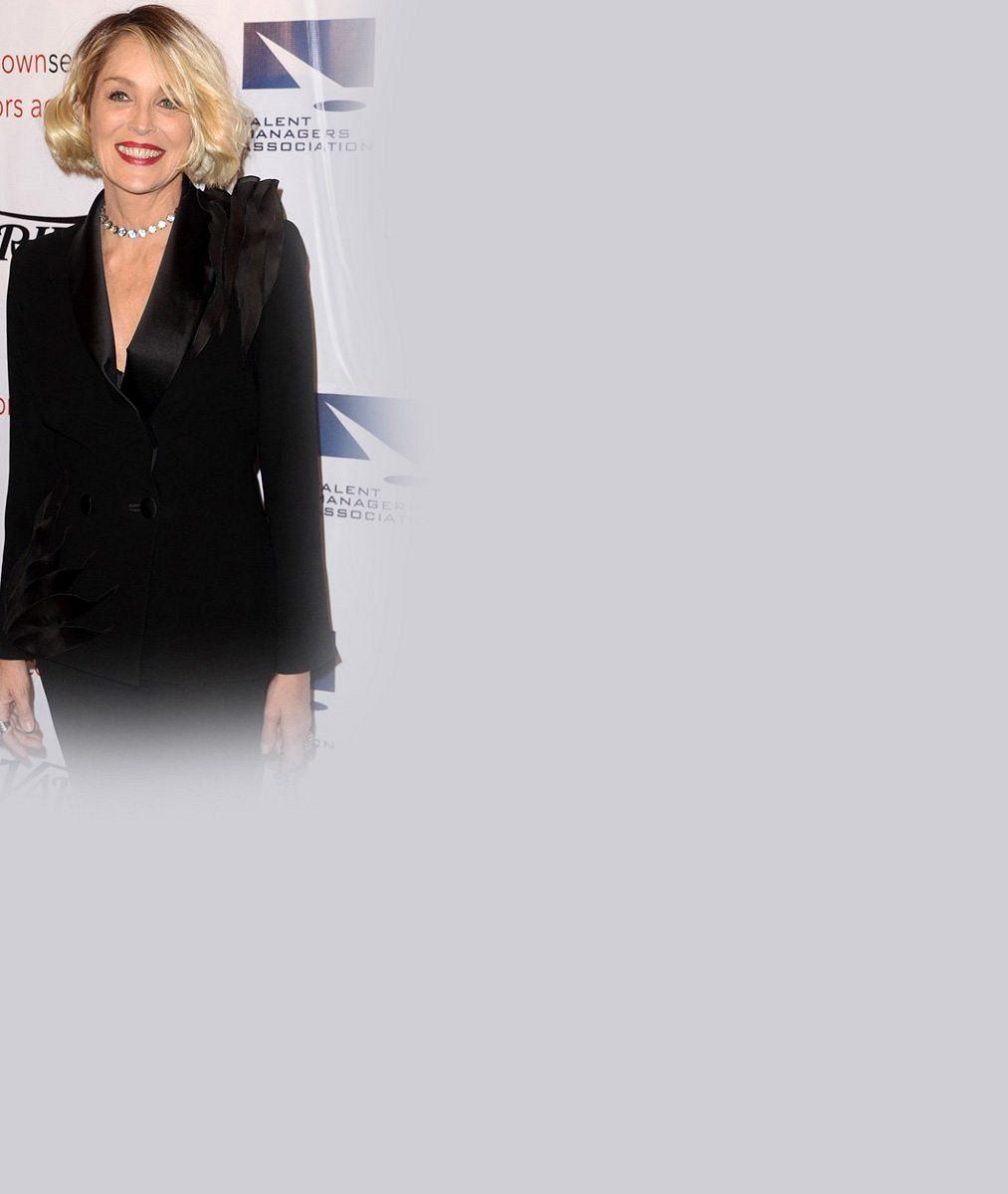 Sharon Stone (58) vedle nového přítele omládla: Takhle si spolu užívali na pláži